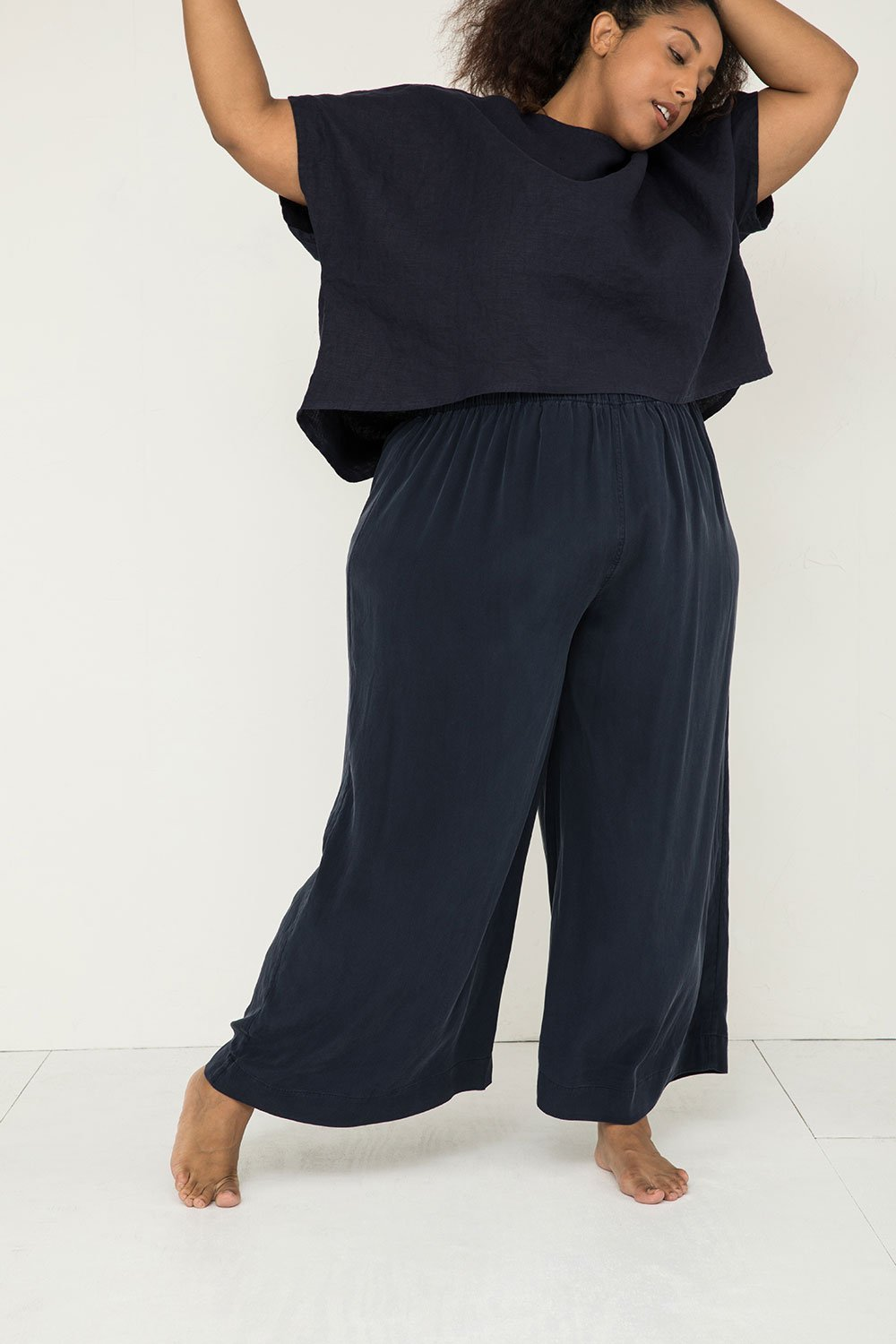 Florence Pant in Navy by Elizabeth Suzann